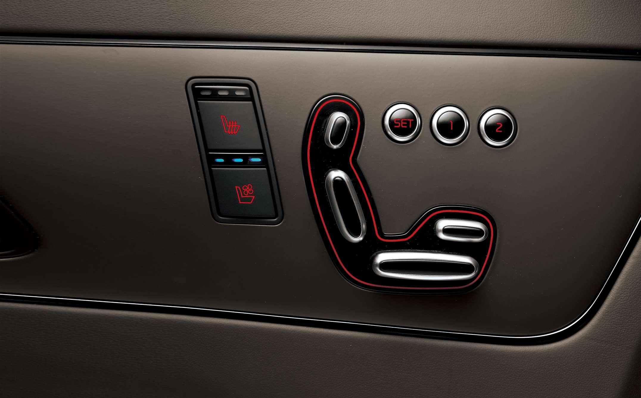KH PE 16MY GE-LHD seats button - keo dai-1